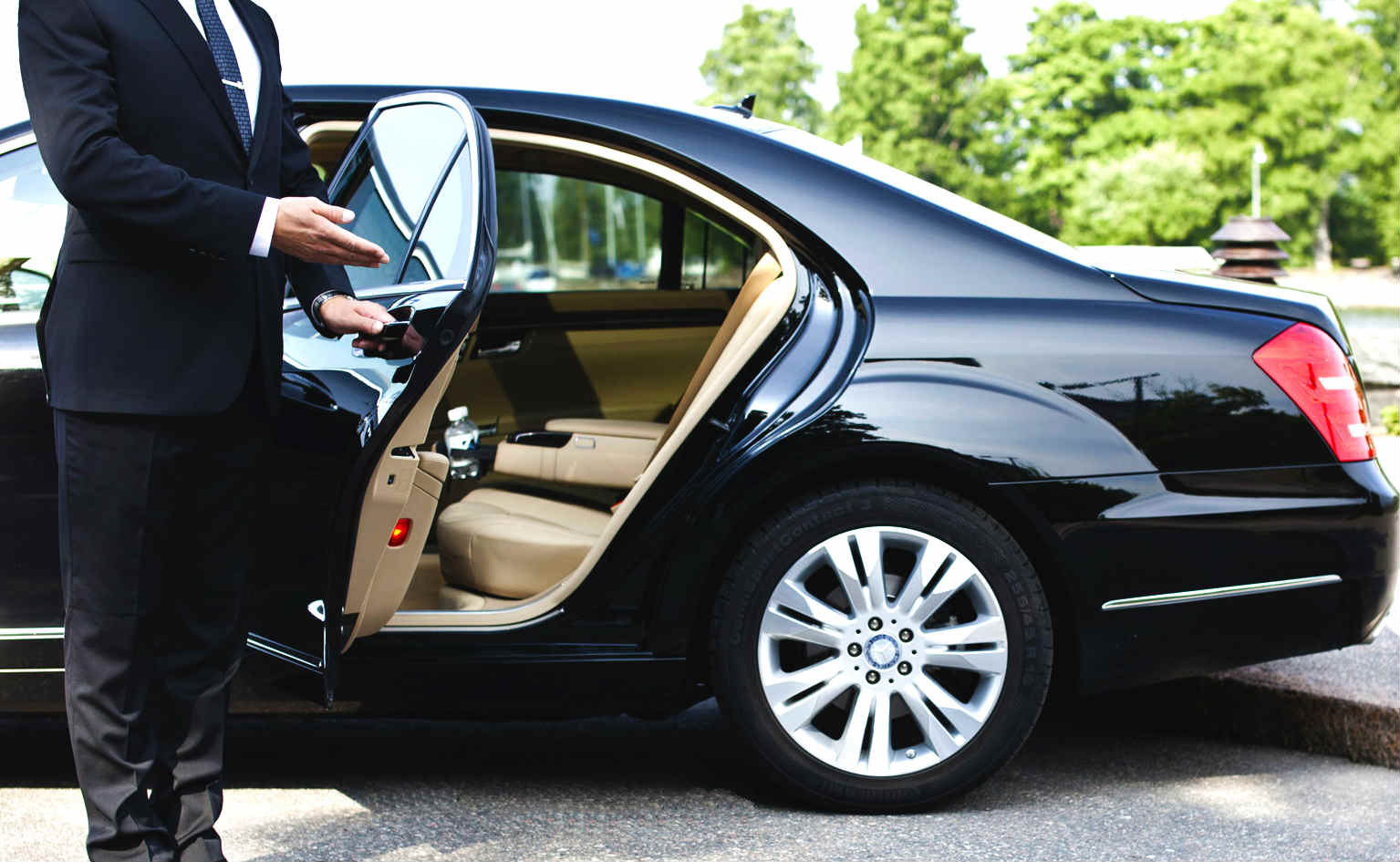 Options for Corporate Limo Trips